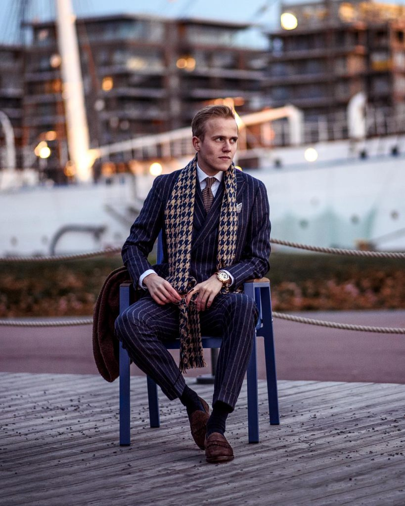 Double breasted suit, scarf, suede loafers, dotted tie
