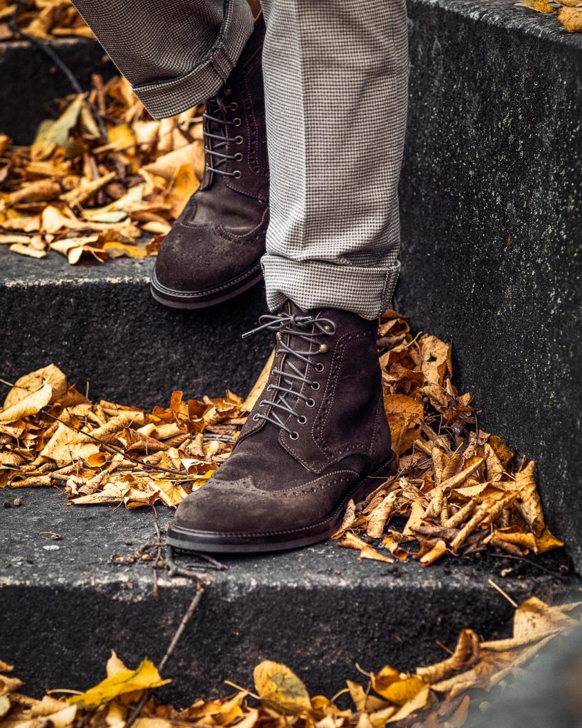Suede boots for men